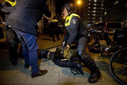 Беспорядки в Роттердаме