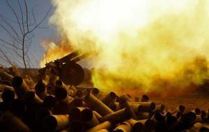 Тяжелая артиллерия, бронетехника, пехота. Оккупанты атакуют по всей линии фронта